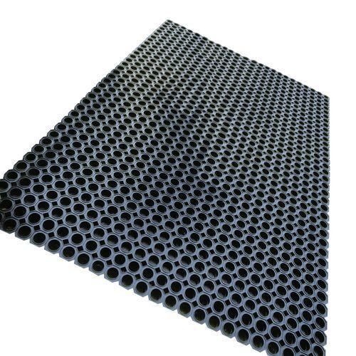 Tapete tipo piso gradeado sem bordos - Em tapete