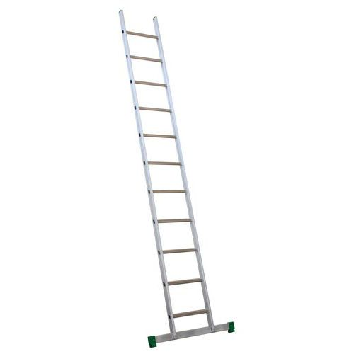 Escada simples com degraus inclinados