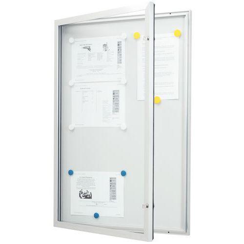 Vitrina de exterior com porta rebatível – fundo em alumínio – porta em vidro de segurança – fechaduras idêntic