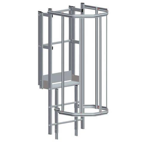 Saída superior de face para escada com guarda-corpo